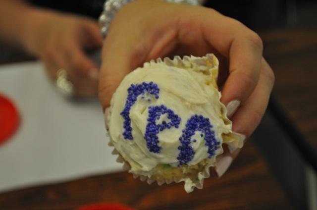 Fall 2011 Rush :: Cupcake Decorating